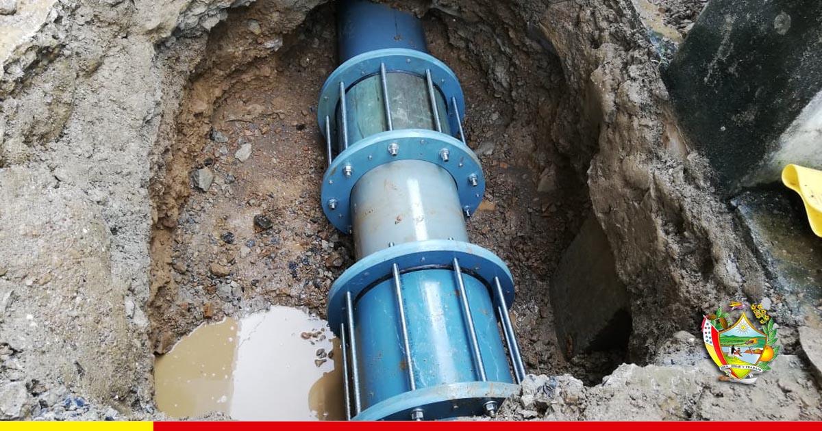 Tubería es reparada en planta de Aguas del Chuno sin suspender el servicio