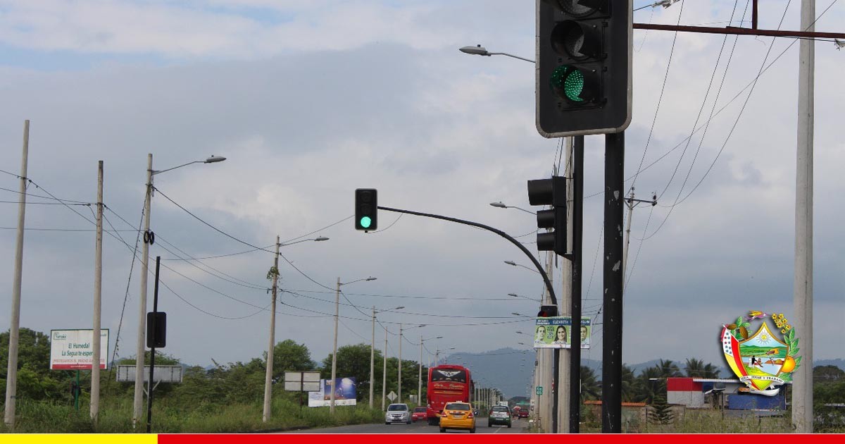 Semáforos son habilitados con nueva tecnología en el cruce hacia San Antonio