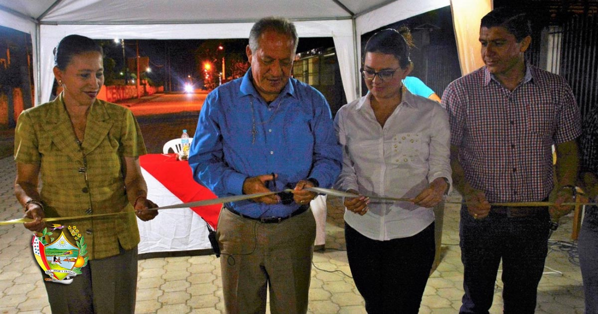 Alcalde inauguró adoquinado de la calle Potrerillo