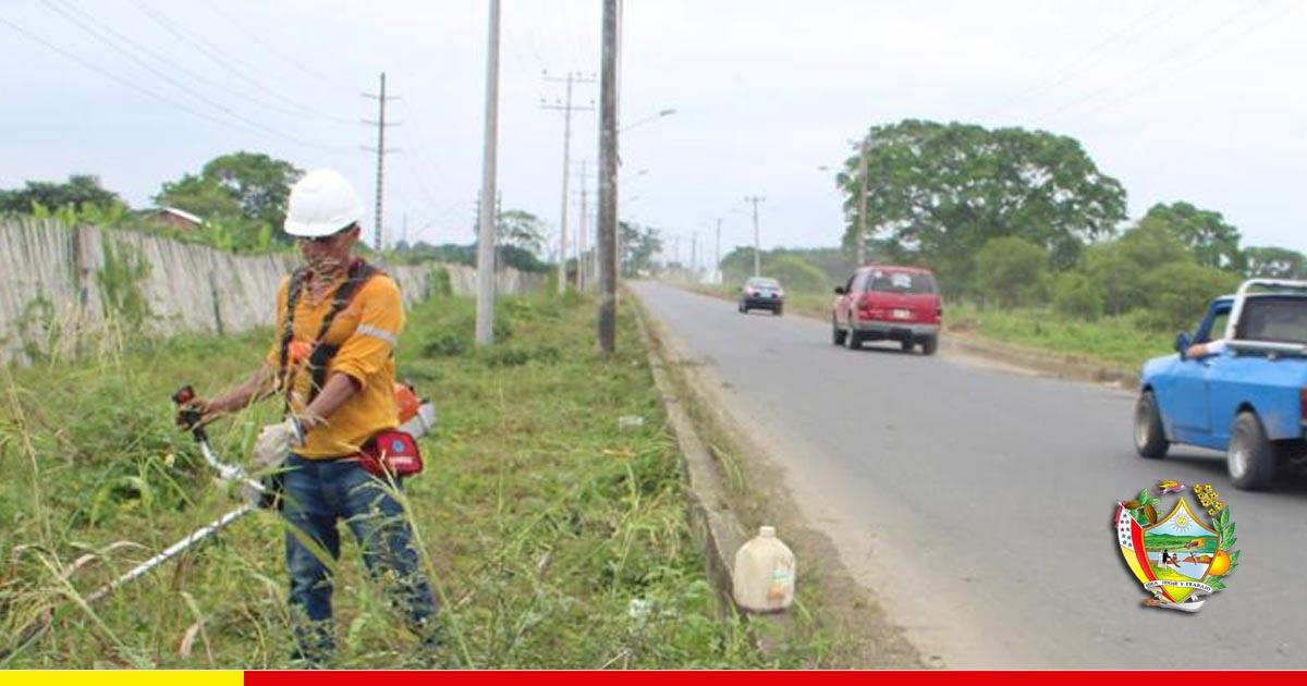 Limpieza de ingreso vial resulta agradable para propios y extraños