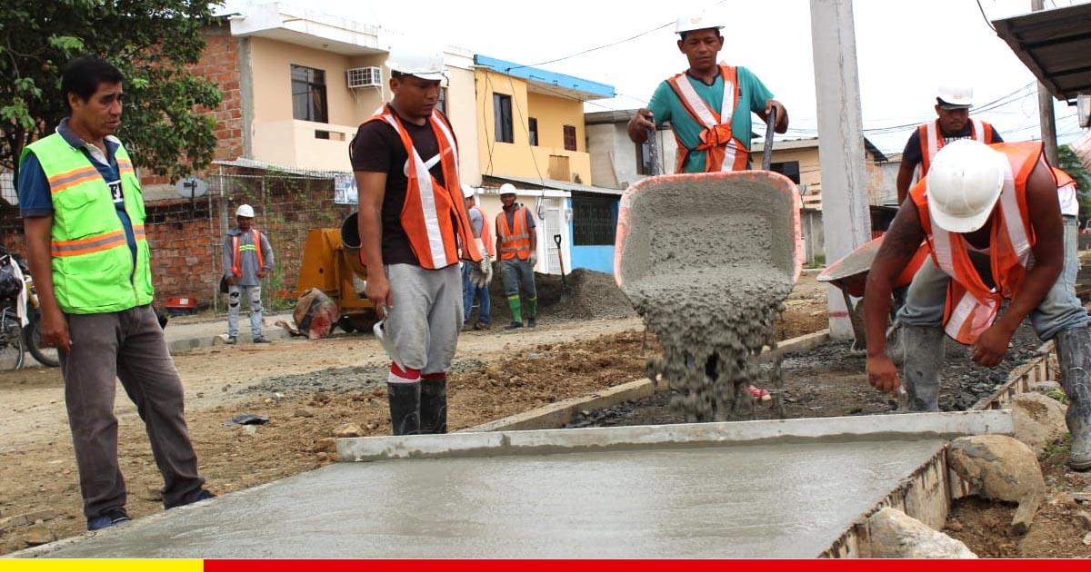 Calle recibe obra municipal por primera vez en 34 años