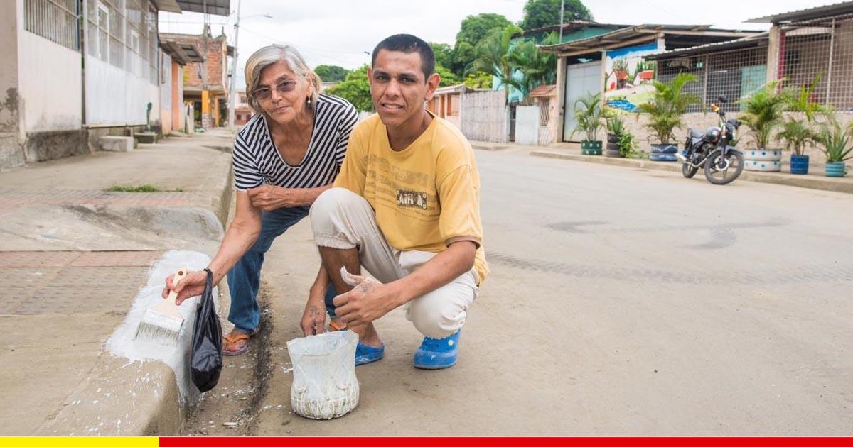 Las mingas contagian a los chonenses para adecentar sus casas y el entorno
