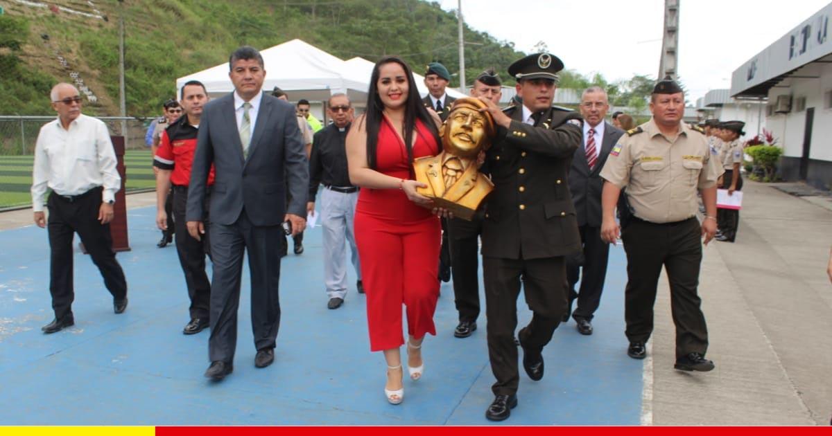 Centro de formación policial rinde homenaje a su patrono con colocación de busto