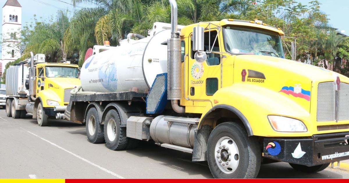 Cuatro hidrosuccionadores socorren a Chone para evacuar aguas servidas