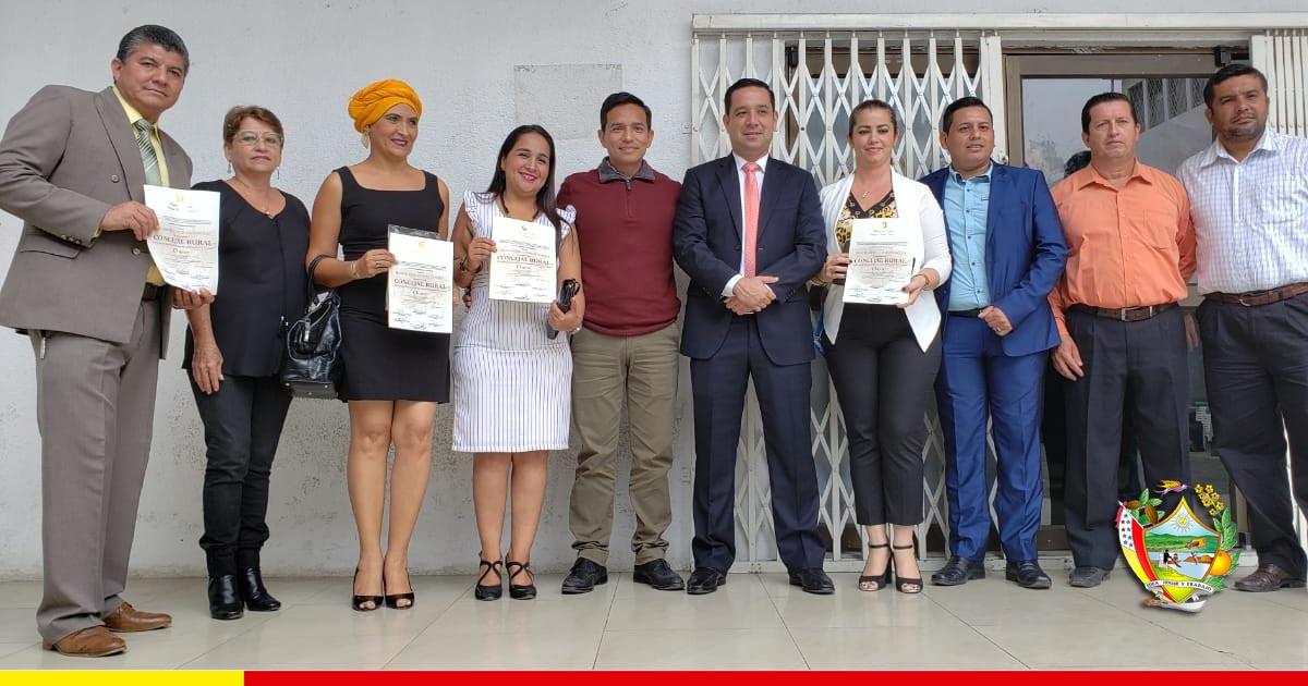 Los 4 concejales rurales de Chone reciben sus credenciales