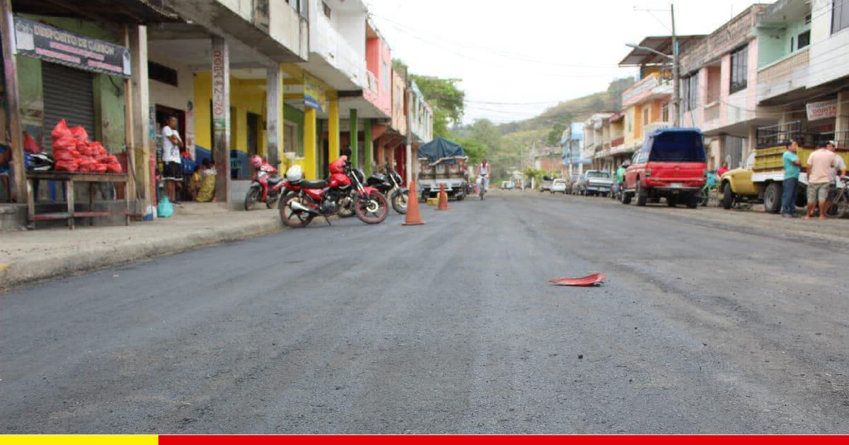 Bacheo de calles previenen accidentes y daños en vehículos