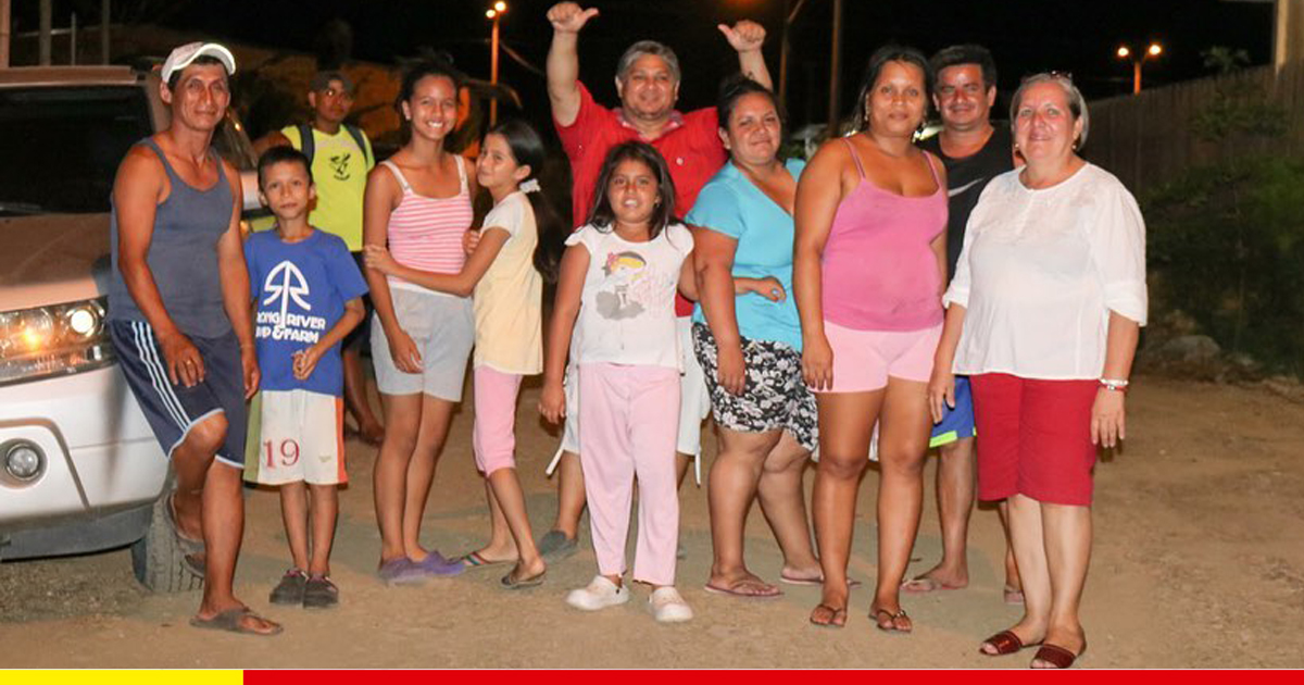 Cien familias disfrutan de las calles sin lodo e iluminadas de la ciudadela La Floresta
