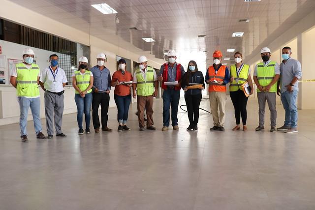 Concejales recorren y fiscalizan obras que se construyen simultáneamente en Chone