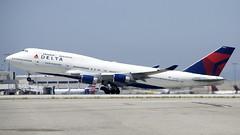 Boeing 747-400 N-662US Delta, take off DSC_0862