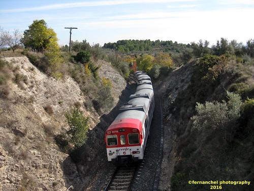 Tren de Cercanías de Renfe (Línea C-5) a su paso por CAUDIEL (Castellón)