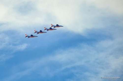 Spectacular airshow by the