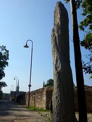 L'alignement de menhirs du bourg de Saint-Just - Ille-et-Vilaine - Septembre 2018 - 03 - Photo of Bruc-sur-Aff