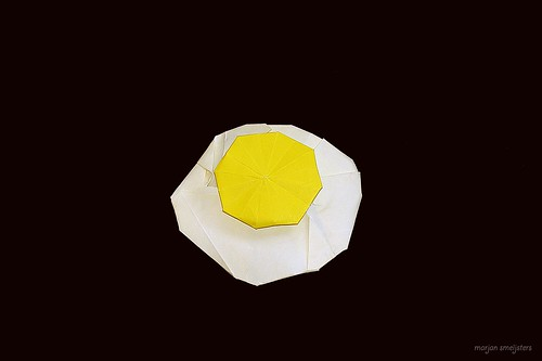 Origami Fried egg (Max Hulme)