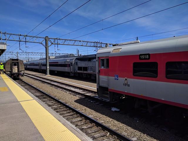 Shore Line East and Hartford Line