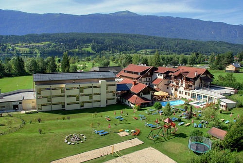Alpen Adria Hotel & Spa im Sommer