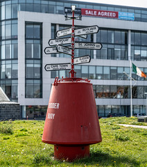 LOST IN THE DOCKLANDS [ANOTHER RED METAL THING]-151857