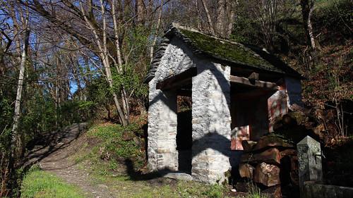 Kleine Kapelle bei Niva unterhalb von Loco