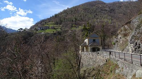 Kleine Kapelle zwischen Loco und Auressio im Onsernonetal
