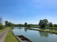 Canal de Saint-Quentin, Picardie, Frankreich - Photo of Frières-Faillouël