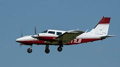 PIPER PA-34-200T N977LB