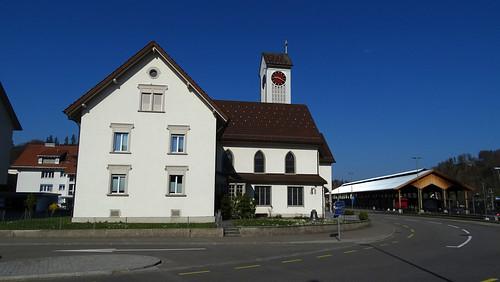 Bauma - Kirche und Bahnhof