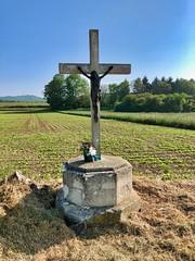 Jesuskreuz am Strassenrand, Picardie, Frankreich