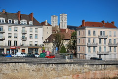 Quai de la Poterne & St Vincent's Cathedral - Chalon-sur-Saône - Photo of Saint-Loup-de-Varennes