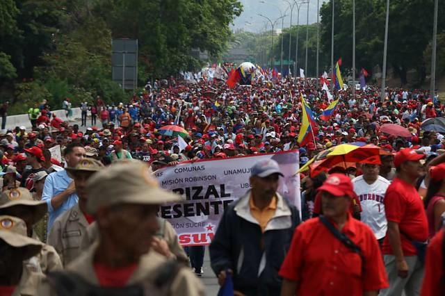 Vídeo | Como foi o 1º de Maio na Venezuela, um dia após tentativa de golpe