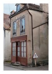 L'ancienne boutique - Moutiers-Saint-Jean - Photo of Quincy-le-Vicomte