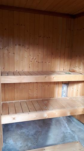 Iniziamo a scaldare la sauna!