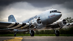 Douglas C-47B F-AZOX Chalair Aviation - Photo of Hangenbieten