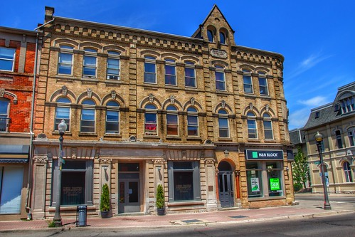 Brantford Ontario - Royal Victoria Place at 136-142 Dalhousie - Commercial Building 1881