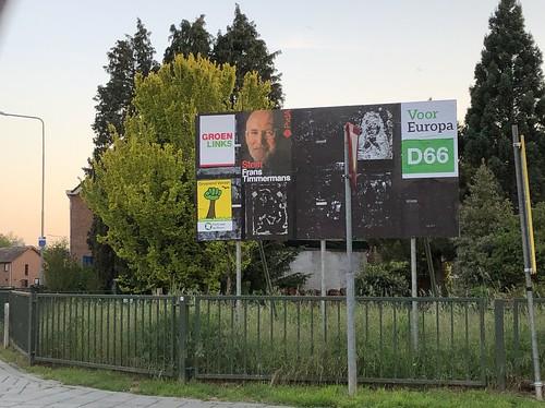 Nieuwstadt - Gouverneur Houbenstraat near BP gas station