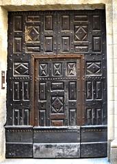 Ancienne Porte à Uzès, Gard - Old door in Uzès, Gard - Photo of Uzès