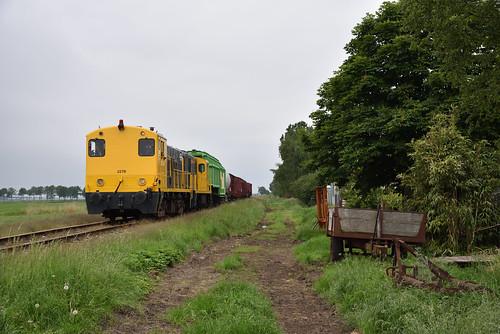 STAR 2278 + BSH 2454 met goederentrein, Stadskanaal, 19-05-2018