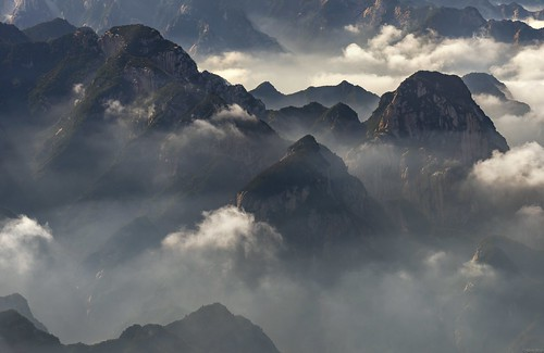 *Hua Mountains @ a journey over the clouds II*