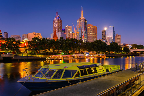 Moonlit skyline @ Melbourne