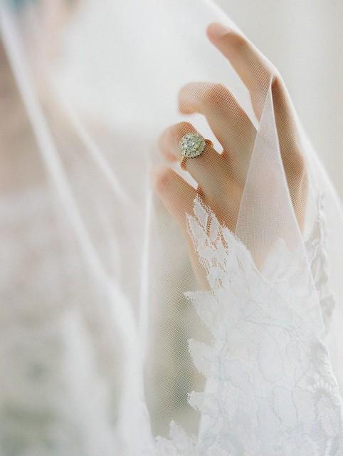 Classic, Contemporary & Romantic – Beautiful Handmade Bridal Adornments From La Belle