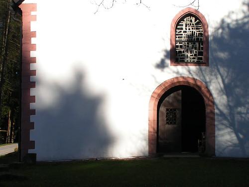20100417 159 Frammersbach Kreuzkapelle Portal Tür Fenster