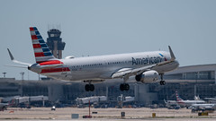 American Airlines AIRBUS A321-231 N138AN