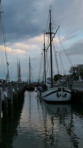 Jan Huygen in eveninglight of Terschelling harbour