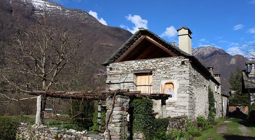 Im schönen Ort Maggia