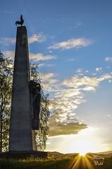 Coucher de soleil au pied du monument du Geisberg - Photo of Schœnenbourg