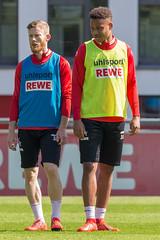 1. FC Köln Mittelfeldspieler Nikolas Nartey und Florian Kainz beim Fußballtraining