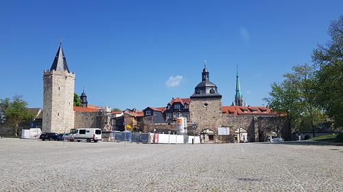 Stadtmauer mit Innerem Frauentor