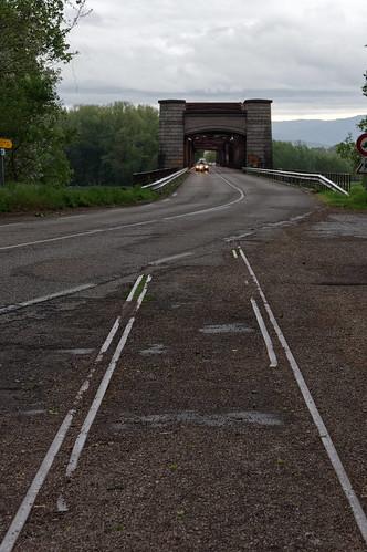 Rheinbrücke Wintersdorf - früher eine Eisenbahnbrücke mit 2 Gleisen