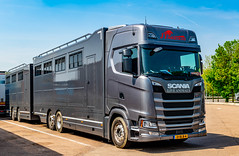 18.25mt Combo Horse Box and Trailer, Some Set up..