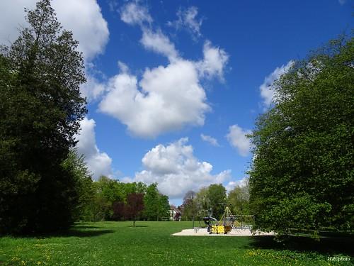 Jeux d'enfants Au Parc de La Louve. La Louvière. Belgique.