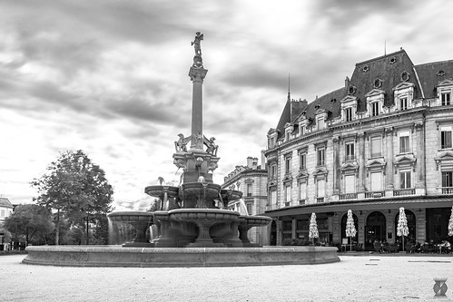 Black & White - Fontaine Monumentale, Valence