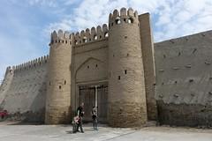 Nieodnowione pozostałości murów miejskich